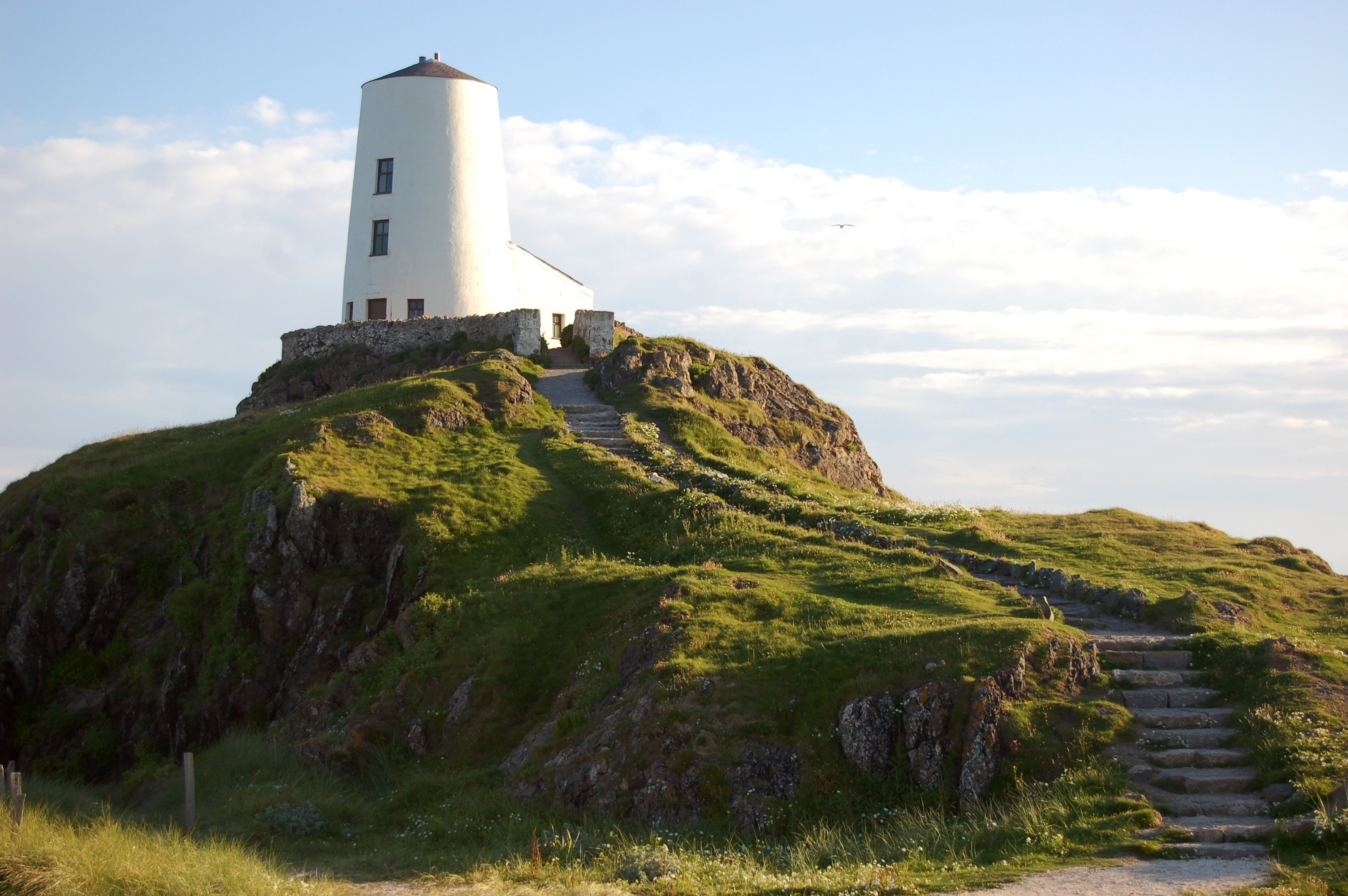 http://rhosyr.co.uk/wp-content/uploads/2017/01/LLANDDWYN-JULY-2012-077.jpg